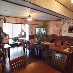 【1階テーブル席】コースに飲み放題も追加可能となっております。宴会もお気軽にお問い合わせください。