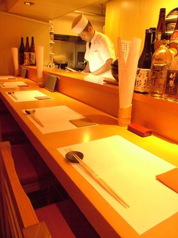 料理は日替わりでお刺身、焼き物、煮物などその日の美味しい食材を用意しています。