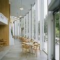 全面窓ガラスの開放的な空間☆貸切の場合最大84人((着席時)/120人(立食時))までOK!ウエディングプランもご用意しております♪