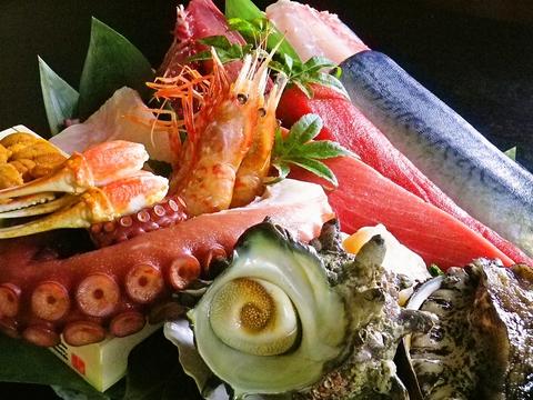 地元の食材を使用!新鮮な魚介も味わえる郷土料理店♪