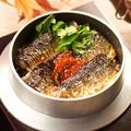 料理メニュー写真秋刀魚といくらの釜めし