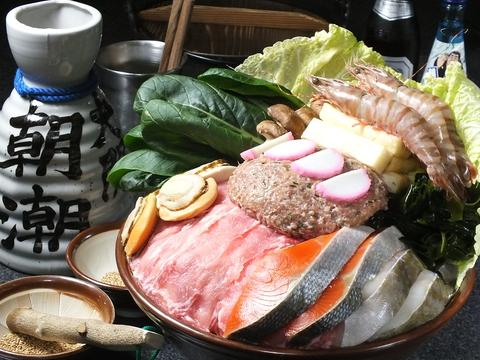 高砂親方直伝のちゃんこと独自ルートで仕入れた焼肉。相撲ムードあふれる店内も魅力!