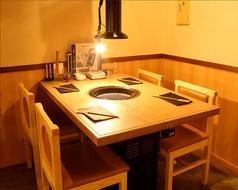 【1階】4名用焼肉テーブルは3卓