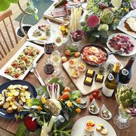 ビュッフェ形式で愉しめる和洋多彩な料理
