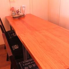 6名様用のテーブル席♪テーブルをつなげて10名様でもご利用頂けます★