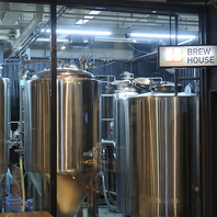 ビールは店舗で醸造しております。