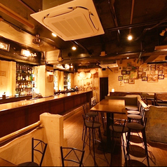HACHIRO'S BAR AND CAFEの雰囲気1