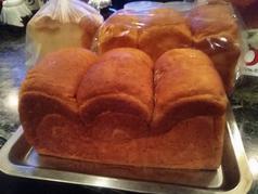 料理メニュー写真【マリンナ自家製】湯だね、ライ麦食パン