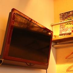 【設備】店内には大きいTVも完備しております。DVDやムービーを流して頂くことも可能です◎サプライズ演出の際は事前にご相談くださいませ☆