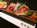 料理メニュー写真たたき二種盛り合わせ(モモ肉・ムネ肉)