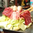 【大鉄板焼きの作り方】まずは野菜とお肉をたっぷり盛ります!