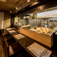 会社帰りにちょっと一杯!!という方からデートや気の知れた友人とのお食事にもオススメのカウンター席です。距離が近いカウンター席なら2人の距離も縮まること間違いなしです!!こだわりの和空間でお刺身をはじめとする魚料理と豊富な日本酒・焼酎を是非お楽しみ下さい。渋谷で和食を楽しむなら備中屋長左衛門へ