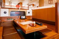 ファミリー寿司割烹まる 金沢ベイ店の雰囲気1