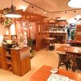 観葉植物や可愛い小物が飾られた暖かな店内♪誰でも気軽に立ち寄り易い雰囲気が自慢です♪