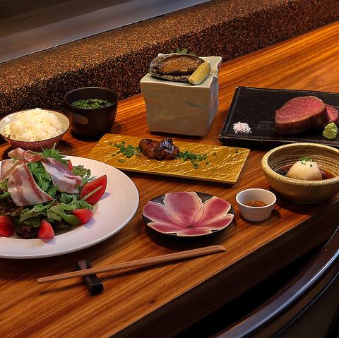 贅沢海の幸とシャトーブリアンの鉄板焼きコース 9,900円(税込)