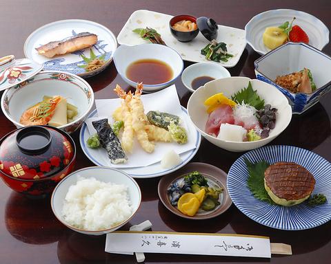 昭和12年創業。京料理、京会席の他、季節料理の一品をお楽しみ下さい。