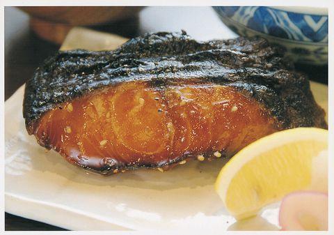 [銀だらみりん定食1280円]ご飯と味噌汁とお茶が美味しい…アクロス地下のおふくろの味