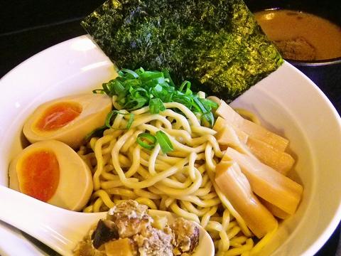 食材にこだわりあり!宮城の醤油や京都の九条ネギなどを使用。丁寧な仕事が分かる味。