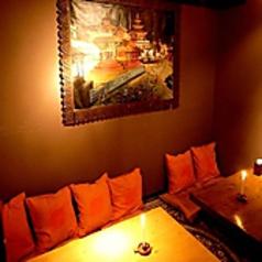 少人数から個室をお使い頂けます。間接照明煌く個室は合コン女子会などに大人気です!広々お使い頂けるよう設計したお部屋でご案内いたします。貸切宴会も可能!お問い合わせお待ちしております。