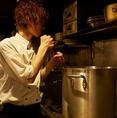 8時間以上国産鶏がらを炊いて造る水炊き