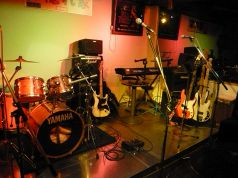 Live in 隠れ家の写真