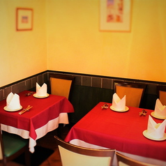 人目を気になさらずお食事ができる半個室タイプのお席です。2名様~6名様までご対応可能です。