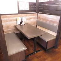 少人数~人数に合わせ様々なお席をご用意しています!