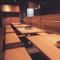 手巻き焼肉 金の牛 東加古川店の雰囲気1