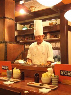 串かつ料理 活 阪急三番街店の雰囲気1