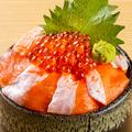 料理メニュー写真サーモン親子丼