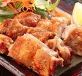 料理メニュー写真鶏のぶつ切焼き