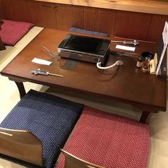 4名お座敷×3卓をご用意しておりますお子様の椅子もございますのでご家族でもお気軽にご利用いただけます。