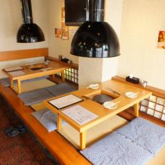 お座敷は4名様掛け、3卓ご用意しております。