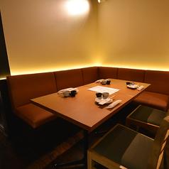 4名様から5名様用「テーブルBOXシート」日本酒女子会にもピッタリのお席です。