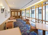 木のぬくもりを感じるカジュアルな雰囲気の個室です。事前にご予約ください。 ※室料 ・大人10名様以上でお食事ご利用の場合:2時間無料 ・大人10名様以上でお食事以外の場合:1時間 ¥5,940 ・大人10名様未満の場合:ご注文内容に関わらず 1時間 ¥5,940