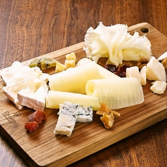 5種類のチーズ盛り合わせ