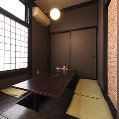 1F奥の個室は4部屋に分かれすべてつなげることも可能