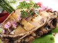 【積丹産蝦夷あわびのステーキ 3900円】 身の引き締まった新鮮な蝦夷あわびにじっくりと火を入れてやわらかく仕上げた食感に思わず感動。極上の海の旨味をご堪能ください。