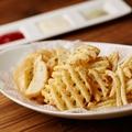 料理メニュー写真フライドポテト3種盛り プレミアムデップ