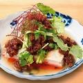 料理メニュー写真肉味噌パクチー豆腐
