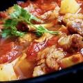 料理メニュー写真牛バラ肉とトマトの煮込