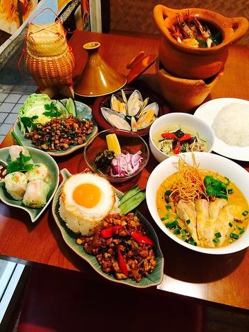 タイから直輸入したハーブや野菜を使用した本格タイ料理に舌鼓♪