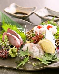 料理メニュー写真【名物】天草鮮魚のお造り3種盛り合わせ