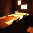 4~6名様用の人気の角のテーブル席※スダレで仕切る半個室タイプ