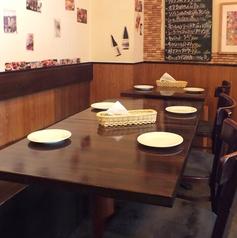 テーブル席は左右を組み合わせることで広々とした空間となります!