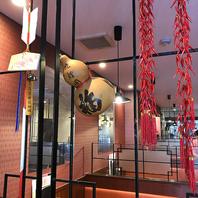 店内のいたるところに中国の雰囲気を感じさせる装飾品◎