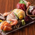 料理メニュー写真本日の鮮魚バラエティー盛り