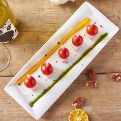 料理メニュー写真ポークコンフィとトマトのピンチョス