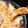 料理メニュー写真羽根つき黒豚餃子 7個