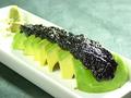 料理メニュー写真アボカドの岩海苔ワサビ刺し